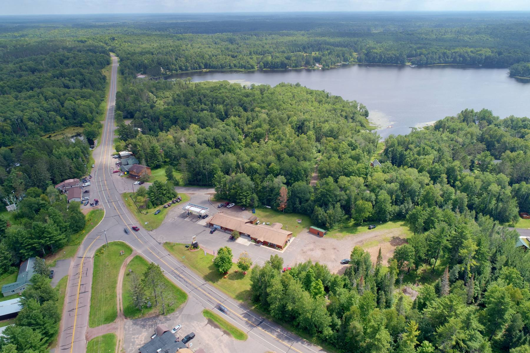 Lodging near Upper Clam Lake